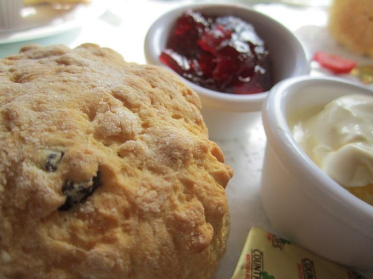 Afternoon tea via Annie Mole @ Flickr