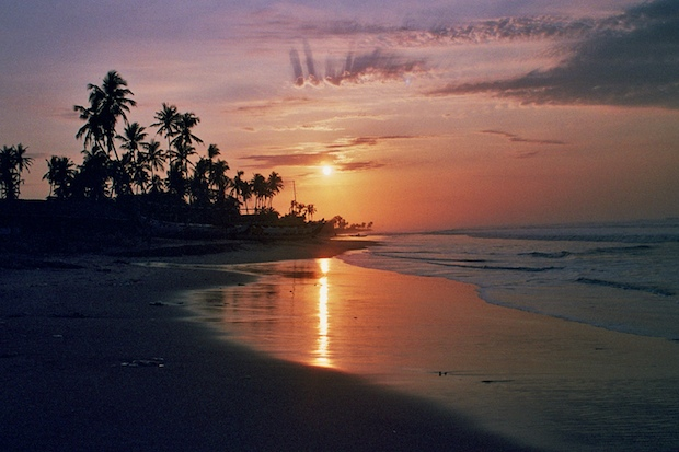 Sunrise in Ghana via neate photos @ Flickr