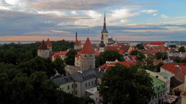 Picturesque Tallinn, Estonia via TausP @ Flickr