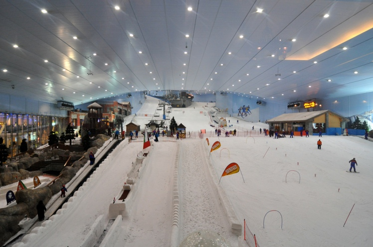Dubai skiing via John Karwoski @ Flickr